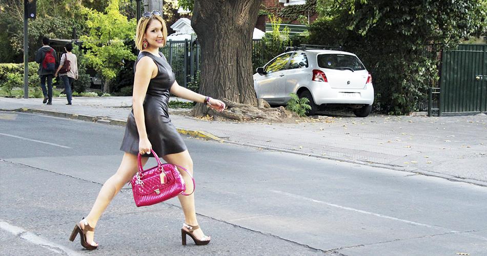 C mo combinar tu vestuario con carteras de colores - Combinar color marron ...